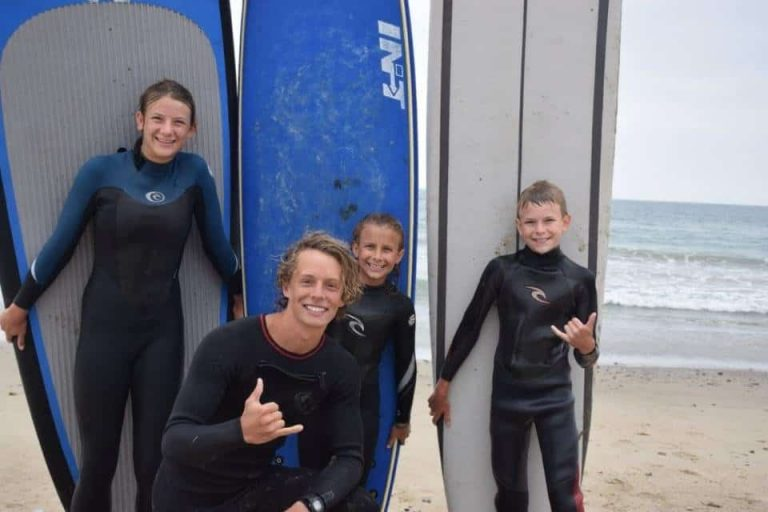 Kids surf lessons with coach